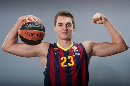 Mario Hezonja flexing